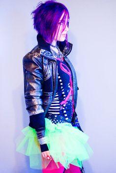 Ariel Bloomer. Her jacket is sweet!
