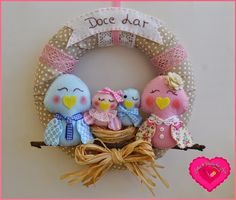 Artes & Ideias da Ana: Doce Lar ♥ Textiles, Baby Decor, Clay Crafts, Cute Babies, Objects, Easter, Wreaths, Embroidery, Christmas Ornaments
