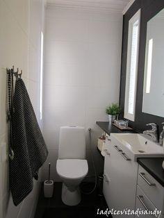 Small Bathroom, Toilet, Bathtub, Villa, Home, Studio, Small Shower Room, Standing Bath, Flush Toilet