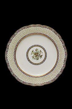 Assiette a feuille de choux | Sèvres porcelain factory | V Search the Collections