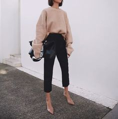Nude heels and a nude sweater top Tony Bianco // Pepa Macák - Coiffure Sites Look Fashion, Trendy Fashion, Korean Fashion, Winter Fashion, Fashion Black, Fashion Mode, Trendy Style, Fashion Beauty, Nude Outfits