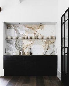 Refined modern country in Australia | #interior #design #Home #decor #idea #inspiration #cozy #room #style #color #light #minimalist #kitchen #marble #wall #dark #white