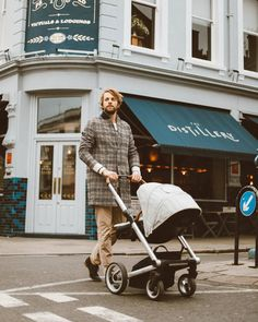@mymatters father dad daddy baby newborn style outfit men man male fashion London pram stroller parent family lifestyle England Notting Hill