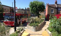 Edible Bus Stop Landor Road Unique bus stops Allotment Gardening, Urban Gardening, Vertical Green Wall, Urban Intervention, Sustainable City, Urban City, Bus Stop, Urban Farming, Urban Landscape