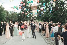 Loslassen Luftballons Hochzeit Obermayerhofen Osterreich Vienna Austria, Bridesmaid Dresses, Wedding Dresses, Documentary, Dream Wedding, Wedding Photography, Wedding Ideas, Happy, Inspiration