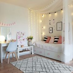 garlands in the interior, the decor of the living room and bedroom
