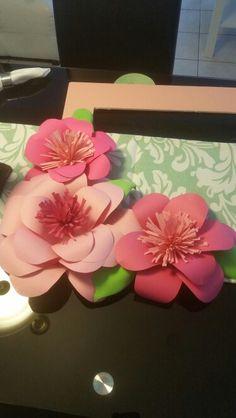 Flores echas en papel