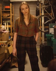 'Killing Eve' Season Episode 7 Recap: The Safe Word Is 'Gentleman': Villanelle with knife killing eve Jodie Comer, Mode Outfits, Costume Design, Formal, Style Icons, Eve, What To Wear, Plaid, Street Style