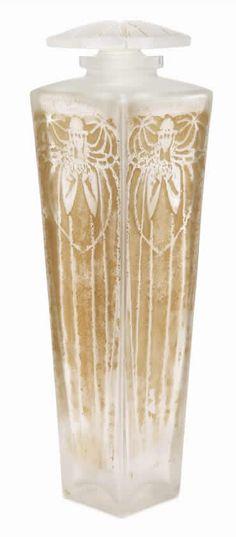 Lalique Perfume Bottle En Fermant Les Yeux