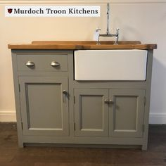 1200mm x 600mm Small Sink Unit🚰  This is a traditional Belfast sink unit with a drawer above, a door on one side and a useful cupboard under the ceramic sink. The cupboard under the drawer has one fixed shelf a the doors are fitted with strong magnetic catches.  This stunning small oak sink unit can be painted in any one of our premier paint colours and fitted with the handles of your choice - for the ultimate bespoke finish.⠀ Small Sink Unit, Sink Units, Kitchen Units, Kitchen Sink, Kitchen Decor, Kitchen Ideas, Belfast Sink, Freestanding Kitchen, Ceramic Sink