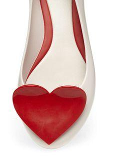 Mel white heart pumps