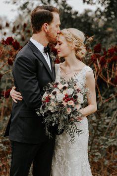 Rustic and sophisticated Oklahoma wedding at Rosemary Ridge | Image by Melissa Marshall Photography #redwedding #rusticwedding #countrywedding #bridalfashion #bridalstyle #weddingbouquet #bridalbouquet #bouquet #groom #groomstyle #groominspo #groomapparrel #bridalinspo #bride #cutecouple #coupleportrait