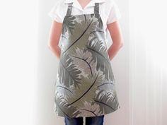 Cotton Apron, Green Apron, Full Apron, Women's Apron, Kitchen Apron, Baking Apron, Gift for Her, Hostess Gift, Ready to Ship