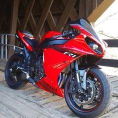 Yamaha R1 Yamaha R1, Street Bikes, Road Bikes, Honda Fireblade, Yzf R125, Motorcycle Wheels, Speed Bike, Sportbikes, Bike Life