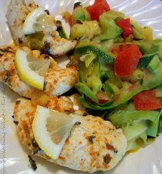 Lemon Basil Chicken Tenders with Zucchini Ribbons ~ this chicken dinner has all the sunny flavors of the Mediterranean since it has fres. Low Fat Diet Plan, Low Fat Low Carb, Low Fat Diets, Low Gi, Atkins, Healthy Cooking, Healthy Eating, Healthy Meals, Clean Eating