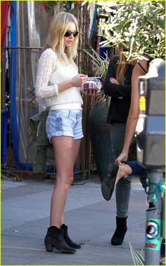 kate bosworth's style.. I need those shorts!!❤️
