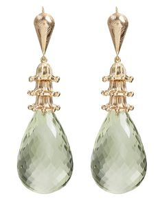 Drop earrings of 14K gold and faceted green amerhyst