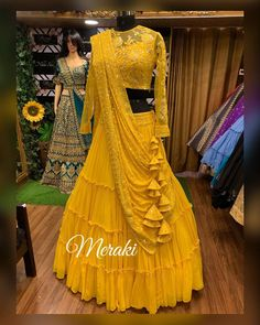 Yellow is the colour of the season. These are some of the best yellow lehengas real brides have worn. From mehendi to wedding ceremony, pick your favourite. Lehenga Choli Wedding, Party Wear Lehenga, Lehenga Style, Designer Lehnga Choli, Ghagra Choli, Silk Dupatta, Lengha Blouse Designs, Lehnga Dress, Lehenga Collection