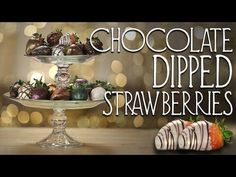 These metallic chocolate-covered strawberries aren& your average chocolate-dipped fruit - they& shimmering, decadent treats fit for a queen. Watch the vid. Strawberry Bars, Strawberry Desserts, Small Desserts, Just Desserts, Chocolate Dipped Strawberries, Icebox Cake, Candy Buffet, Cupcake Recipes, Deserts