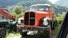 Trucks, Antique Cars, Jeep, Europe, Bern, Old Vintage Cars, Vintage Cars, Truck, Jeeps
