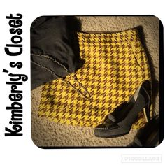 ✨THE LIMITED yellow/brown skirt Very cute yellow/brown Limited skirt!  Perfect for fall!  Side zip closure.  Fully lined with pockets.  Wore a few times - small pull in the fabric on the left side (see 2nd picture).  Otherwise in very good condition. The Limited Skirts