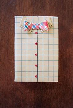Fifty-Nine Fancy and Unique Gift Wrapping Ideas - Shirt and bow-tie Wrapping Gift, Gift Wraping, Creative Gift Wrapping, Creative Gifts, Unique Gifts, Wrapping Ideas, Craft Gifts, Diy Gifts, Handmade Gifts