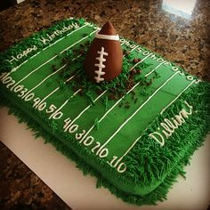 52 Winning Super Bowl Dessert Ideas : Looking for a football dessert that will feed the whole family? Go all out with this football field cake, complete with a giant football in the middle! Flag Football Party, Football Cakes For Boys, Football Field Cake, Superbowl Desserts, Football Cupcakes, Football Banquet, Football Themes, Football Birthday Cakes, Football Themed Cakes
