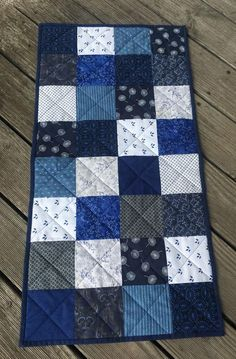 Table runner- shades of blue cotton fabris, back pure linnen, quilted patchwork Quilting For Beginners, Sewing Projects For Beginners, Blue Jean Quilts, Table Runner Pattern, Quilted Table Runners, Easy Quilts, Designer Throw Pillows, Custom Pillows, Shades Of Blue
