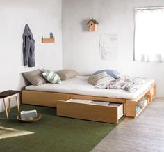 침대 안 수납공간을 만들어 체스트 2대 분량의 수납이 가능한 수납침대, 내가 원하는 대로 조합이 가능한 침대