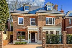 5 bedroom detached house for sale in Margin Drive, Wimbledon, London, - Rightmove. Pole Barn House Plans, Pole Barn Homes, Barn Plans, Style At Home, Dream Home Design, House Design, House Outside Design, Home Exterior Makeover, Facade House