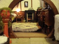 Lord of the Rings aficionado, Maddie Chambers, handmade a replica of the famous Hobbit hole known as Bag End.
