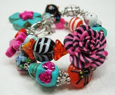Day of the Dead / Skull Jewelry / Dia de by CayaCowgirlCreations, $35.00....She has the Cutest Stuff!