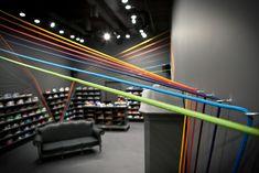 mode:lina bounces bright lines across run colors sneaker store