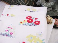 Vintage Flower 1960s Tablecloth // DAISIES Yellow by 1rustyrabbit, $15.00