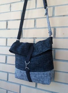 For some women, purchasing a genuine designer handbag is not something to hurry straight into. Because they handbags can be so high priced, ladies sometimes agonize over their decisions before making an actual purse acquisition. (Re:Ladies Bowler bag. Blue Jean Purses, Denim Handbags, Denim Purse, Popular Handbags, Denim Crafts, Recycle Jeans, Patchwork Bags, Cheap Bags, Fabric Bags