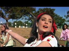 Main Chali Main Chali - Padosan - Saira Banu - Classic Old Hindi Songs - YouTube