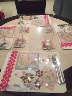 Arte Country, Scrapbook Cards, Decoupage, Mary, Decorative Plates, Kitchen Wood, Napkin Holders, Coat Stands, Wood Tables