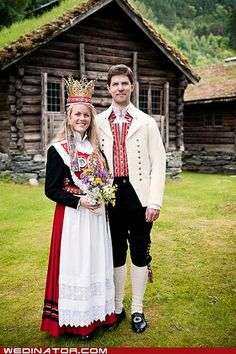 Traditional Norwegian wedding attire with bride wear large crown. Folk Costume, Costumes, Norwegian Wedding, Swedish Wedding, Norwegian Style, Scandinavian Wedding, Wedding Attire, Wedding Dresses, Wedding Outfits