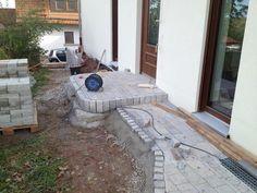 Gartenweg und Hauseingang pflastern
