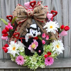 Pepe LePew Valentine I pick You Wreath Spring by IrishGirlsWreaths