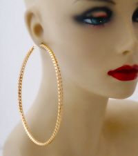 Pinktown is one of the largest Midwest wholesale jewelry and wholesale accessories distributor servicing trendy retailers,stylist, designers with trendy styles. Gold Hoops, Gold Hoop Earrings, Wholesale Jewelry, Trendy Fashion, Stylists, Accessories, Style, Swag, Trendy Outfits