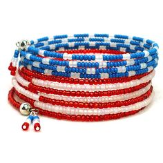 Here is a classic American flag inspired bracelet with a BOHO twist. This fun Independence Day holiday bracelet will wrap around your wrist 11 times! Even though it wraps so many times it is not bul Memory Wire Jewelry, Memory Wire Bracelets, Wire Wrapped Jewelry, Beaded Jewelry, Handmade Jewelry, Beaded Bracelets, Stretch Bracelets, Bangles, Beads And Wire