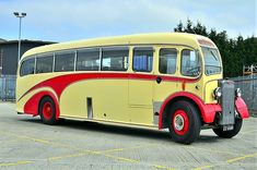 old chevy trucks Old Trucks, Chevy Trucks, Classic Trucks, Classic Cars, Chevy Classic, Bedford Buses, Bus Art, Converted Bus, New Bus