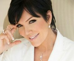 Kris Jenner is going to be getting even more busier than she is, because she is in the talks to start her own talk show.[...]