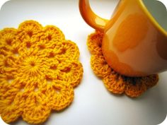 PaisleyJade: Mustard Crochet Coasters free 1893 pattern at http://crochet.about.com/od/vintage/ss/aa052606.htm