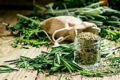 This post discusses how to substitute dried rosemary for fresh, with great tips on how to dry rosemary. How To Dry Rosemary, Kitchen Containers, Aromatic Herbs, Topiary, Fruits And Veggies, Herb Garden, Spring Flowers, Cooking Tips