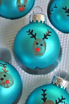 8 Christmas Tree Ornaments You Can Make in An Hour - Christmas - 14 Cheap And Easy Last-Minute Christmas DIY Crafts For Kids. I want to try the golden pine cones a -