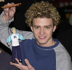 Yes, I would definitely be lying if I said I didn't kind of miss Justin Timberlake during his N'Sync heartthrob years… Lets reminisce, shall we? – Justin Timberlake Through the Years. Cornrows, Pixie Cut, I Smile, Make Me Smile, Haha Funny, Hilarious, Funny Ads, Funny Stuff, I Love To Laugh