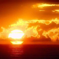 45 Ideas For Nature Sunset Sun Sunset Photography, Landscape Photography, Nature Pictures, Cool Pictures, Orange Aesthetic, Ocean Sunset, Beautiful Sunrise, Beautiful Ocean, Sunset Photos