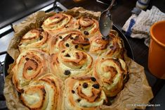 melci cu branza si stafide (10) Bread, Breakfast, Food, Sweets, Morning Coffee, Eten, Bakeries, Meals, Breads